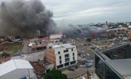 Registran incendio de magnitud en supermercado Fidalga de Santa Cruz