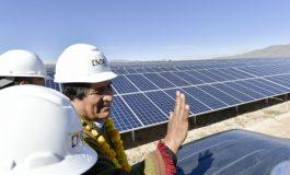 Morales inaugura planta solar fotovoltaica en Yunchará