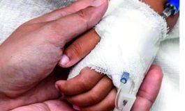 Médico advierte que niña golpeada podría perder el habla