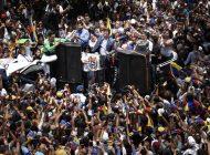 La oposición liderada por Guaidó vuelve a desafiar a Maduro con otra gran marcha