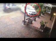 Niño vendedor de periódico se salva de morir arrollado
