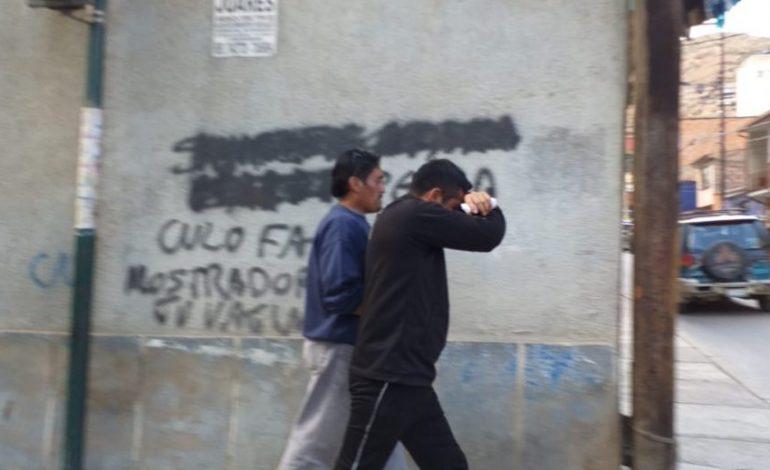 Detienen a un militar por abandonar a su hijo con discapacidad en una boca mina de Oruro
