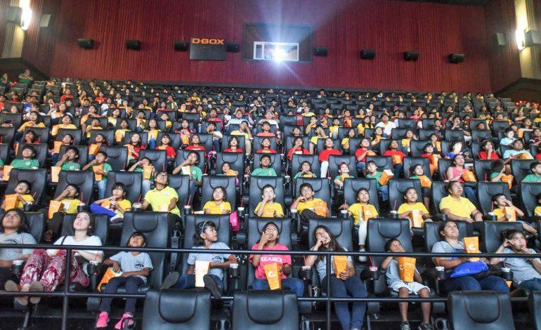 Cinemark agasaja a niños de hogares de acogida, con una función solidaria