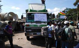 Productores de soya bloquean carretera Santa Cruz – Cochabamba
