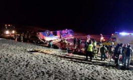Seis muertos y veinte heridos al volcar un autobús con trabajadores en Chile