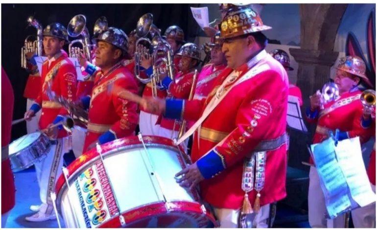 Banda Intergaláctica Poopó de Oruro recibe su estrella en paseo de la fama de Hollywood