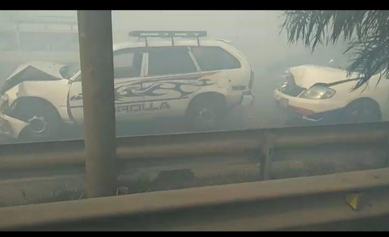Incendio en Warnes provoca caos y accidentes por la intensa humareda