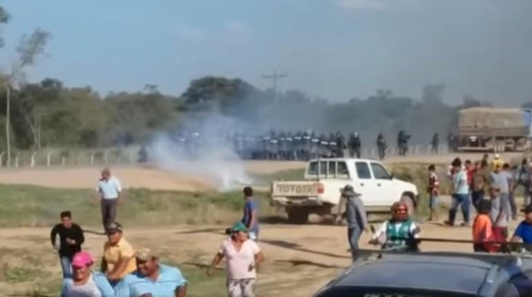Policía interviene bloqueo en Cuatro Cañadas