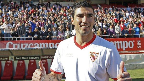 Murió el futbolista español Reyes en accidente de tránsito