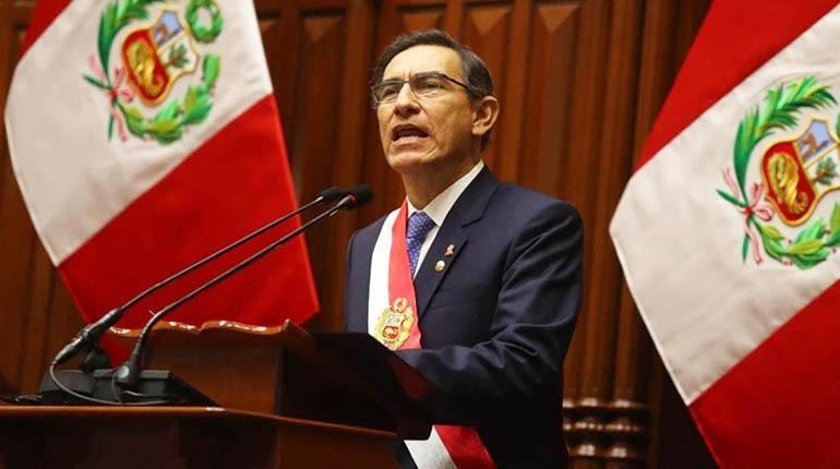 Vizcarra disuelve «constitucionalmente» a Congreso peruano y llama a comicios