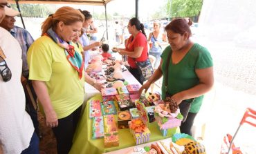 Gobierno Municipal impulsa emprendimientos en Feria Productiva en el Distrito 3