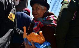 Gobierno habilita puentes aéreos para abastecer de alimentos a La Paz y El Alto