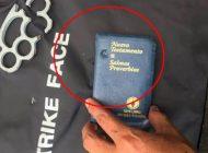 Yapacaní: Una biblia salva la vida a policía que recibió disparo de calibre 9 milímetros