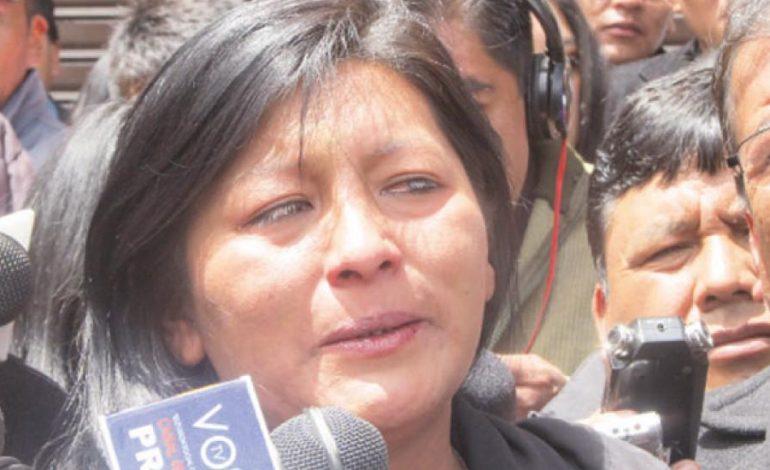 Vándalos queman la casa de Alcaldesa de El Alto
