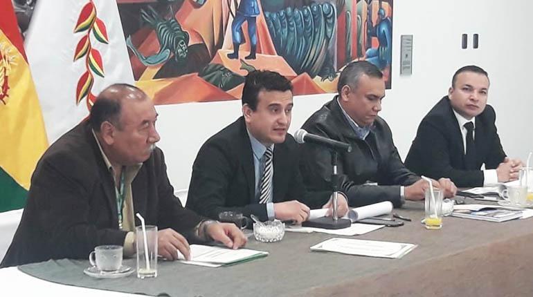 Ministro de Energías denuncia que venta de electricidad a Argentina fue «una mentira»