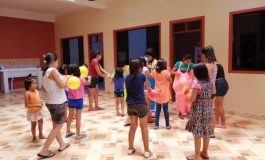 Farmacias Chávez celebró el Día de Reyes en cuatro hogares de niños en Yacuiba