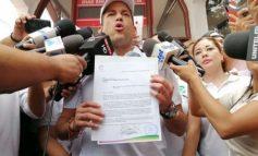 """Camacho pone su candidatura """"en blanco"""" y llama a formar un solo frente contra el MAS"""