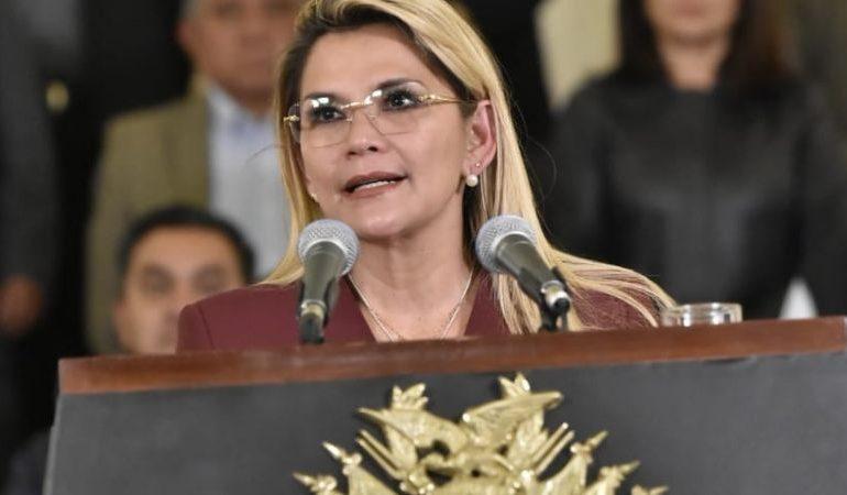 Añez declara estado de emergencia sanitaria hasta el 15 de abril