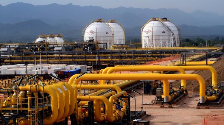 """YPFB intensifica medidas de bioseguridad en la planta """"Carlos Villegas"""""""