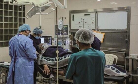 Rebrote: En dos semanas 22 profesionales en salud murieron en La Paz y El Alto