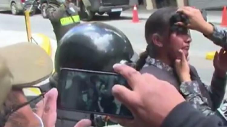 En segundo día de movilización, policía gasifica a cocaleros y estudiantes. Hay heridos