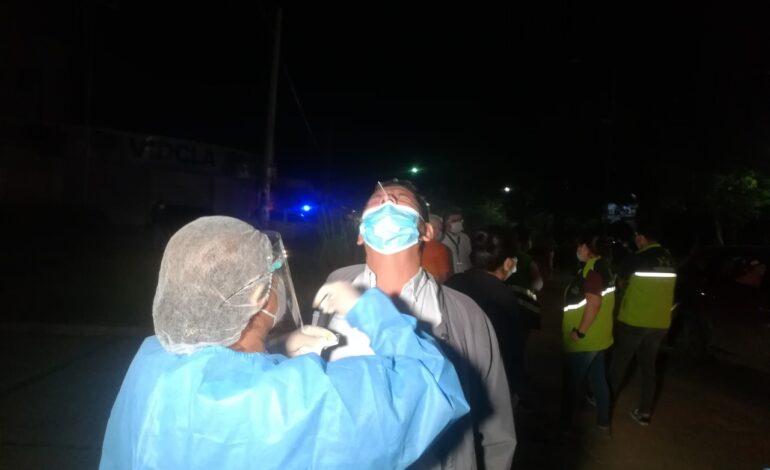 Brigadas municipales aplican pruebas gratuitas de antígeno nasal a viajeros de la zona sur