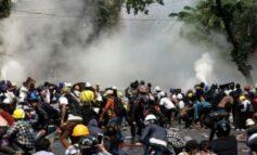 Birmanos vuelven a las calles y ONU pide al ejército que deje de «asesinarlos»
