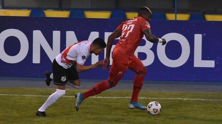 Guabirá se impone (2-1) a Nacional Potosí y avanza en la Copa Sudamericana
