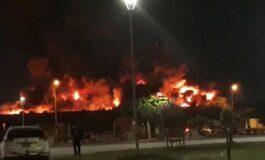 Incendio de magnitud en fábrica de colchones