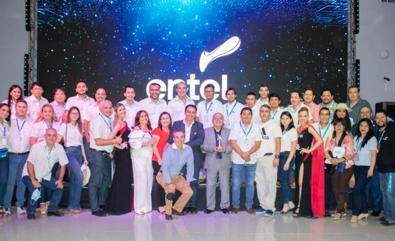 Stand tecnológico de ENTEL lidera preferencia del público visitante a la Expocruz 2021