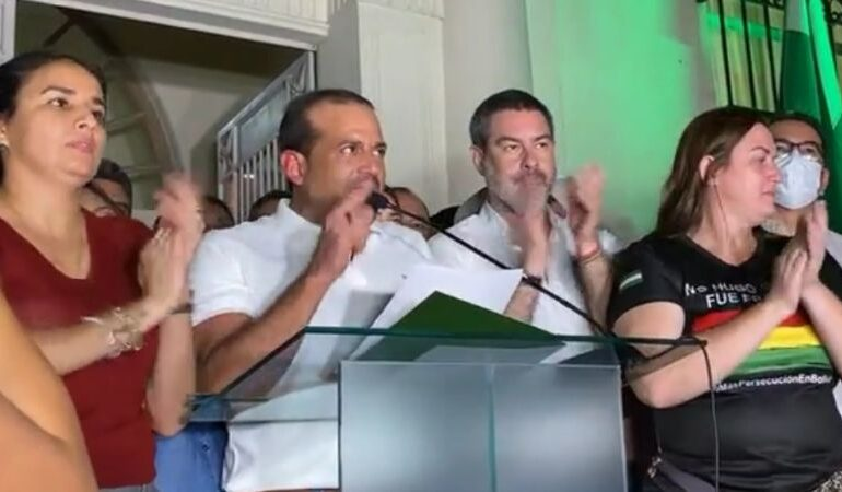 Camacho a Arce: deje ser el títere de Evo Morales, deje de buscar justificar la huida de un cobarde