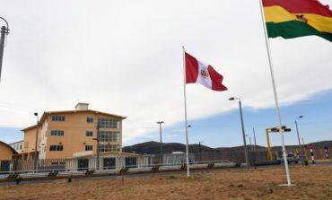 Morales llega a Desaguadero para inaugurar el Centro de Atención en Frontera entre Bolivia y Perú