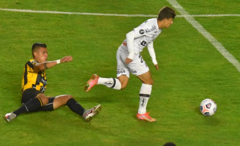 The Strongest vence a Santos y da pelea en el grupo C de la Libertadores