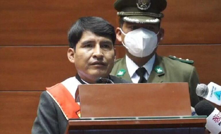 """Condori asume la Gobernación de Chuquisaca y pide un """"pacto de reconciliación"""""""