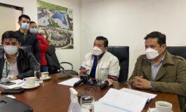 Salud y autoridades de Santa Cruz coordinan acciones para iniciar vacunación masiva este jueves