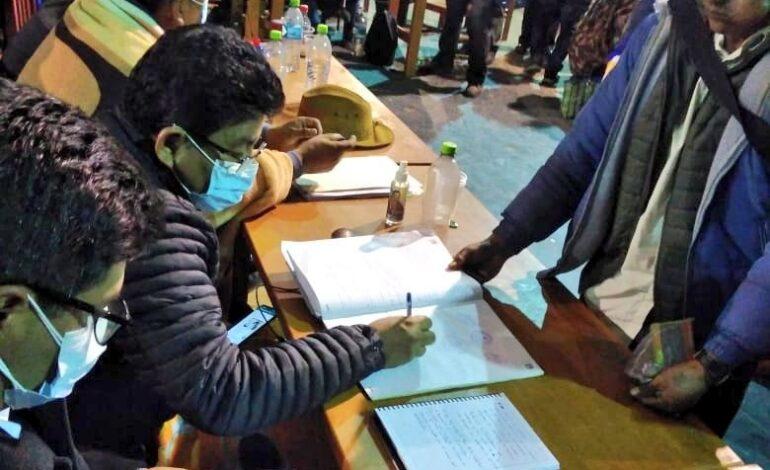 Productores de los valles levantan bloqueo tras acuerdo con el gobierno