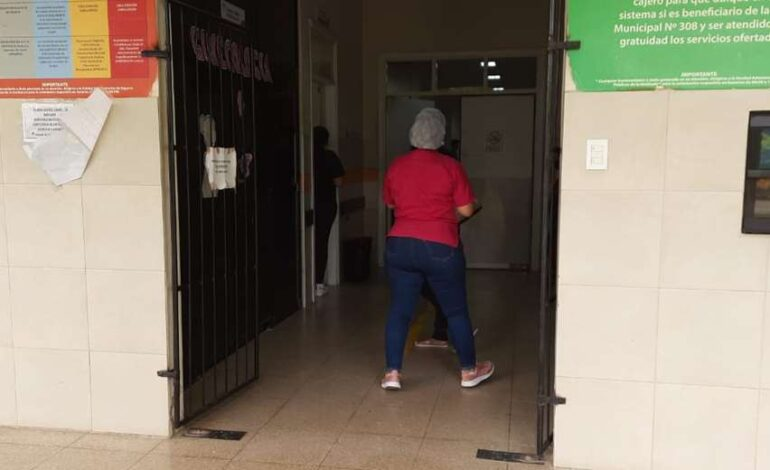 La madre que mató a una de sus gemelas (e hirió a la otra) va a Palmasola; temen que agreda a más personas