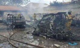 Incendio consumió 16 cuadratracks de un taller y dejó un trabajador herido