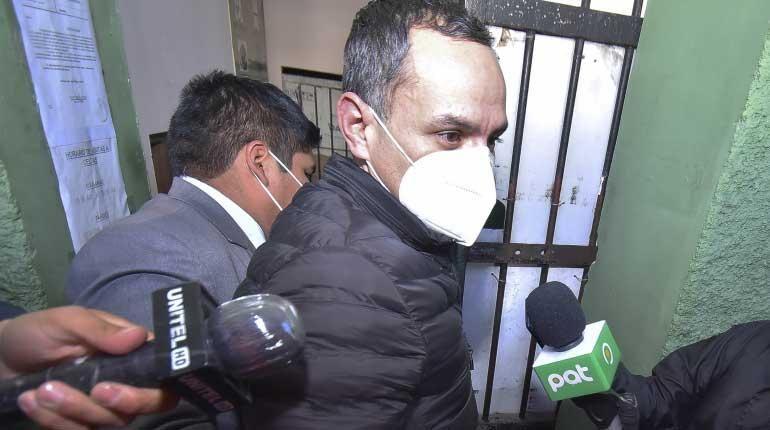 Ministro de Justicia dice que Schlink debería defenderse en libertad