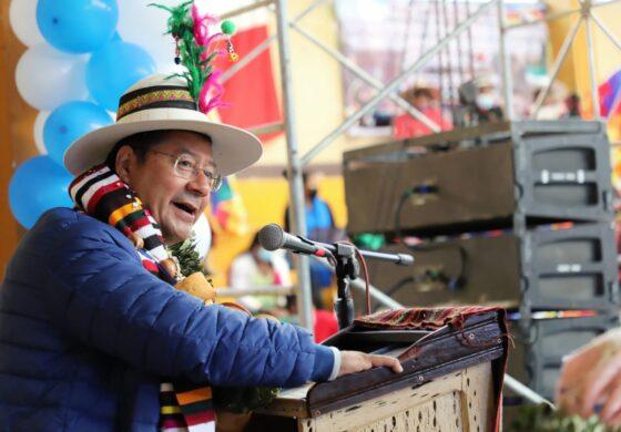 Presidente pide a campesinos compromiso firme de unidad para enfrentar afanes de convulsión de la derecha política