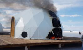 Pobladores de Potosí queman domos construidos a orillas del salar Thunupa y autoridades de Oruro repudian actitud violenta