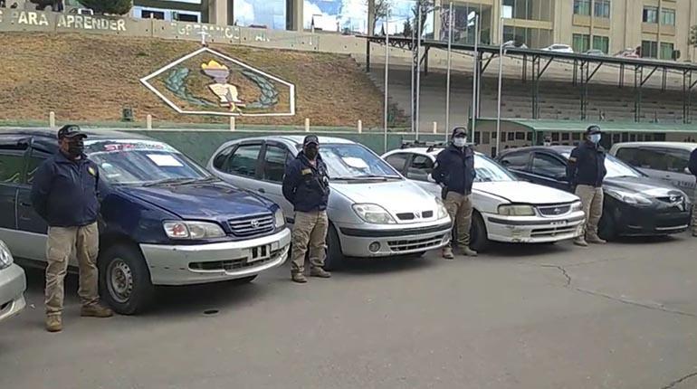 """Incautación de 155 autos """"chutos"""" abre paso a investigar clonación de documentos"""