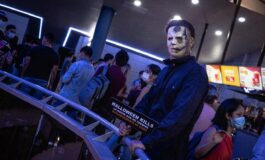 Michael Myers recibe a los invitados de la premiere de 'Halloween Kills: la noche aún no termina'