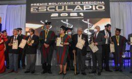 Médicos bolivianos destacados reciben el Premio Esculapio 2021